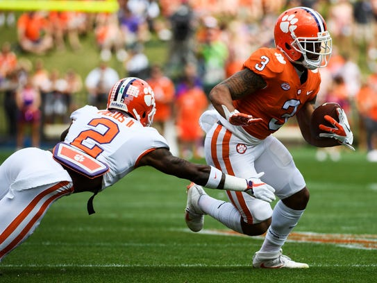 Clemson wide receiver Amari Rodgers (3) attempts to