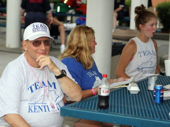 Dale McMillen with his Team Kentucky softball squad in 2009.