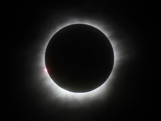 636377950763853934-solar-eclipse.jpg