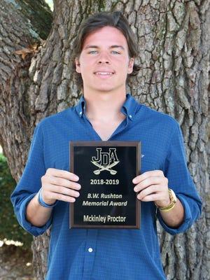 McKinley Proctor received the 2019-2020 B.W. Rushton Memorial Award from Jefferson Davis Academy.