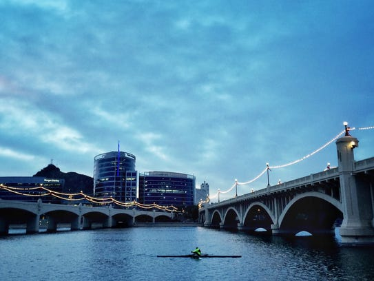 Boat rentals are available at Tempe Town Lake for a