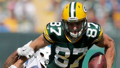 Green Bay Packers receiver Jordy Nelson catches a second