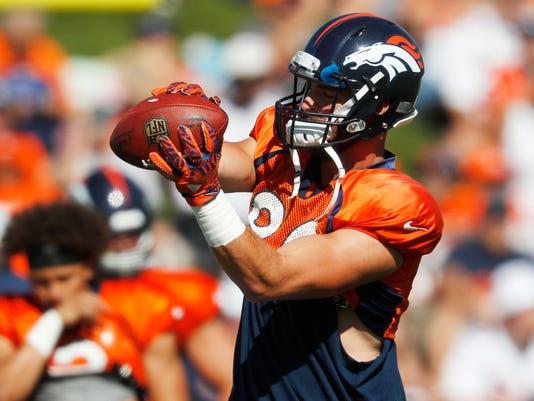Broncos_Football_37264.jpg