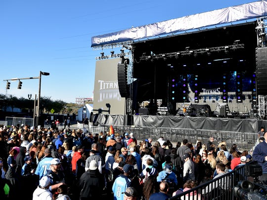 Titans fans arrive early for the Titans uniform reveal in downtown Nashville on Wednesday, April 4, 2018.