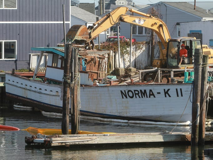 End of an era the norma k ii demolished dockside in pt for Fishing boats point pleasant nj