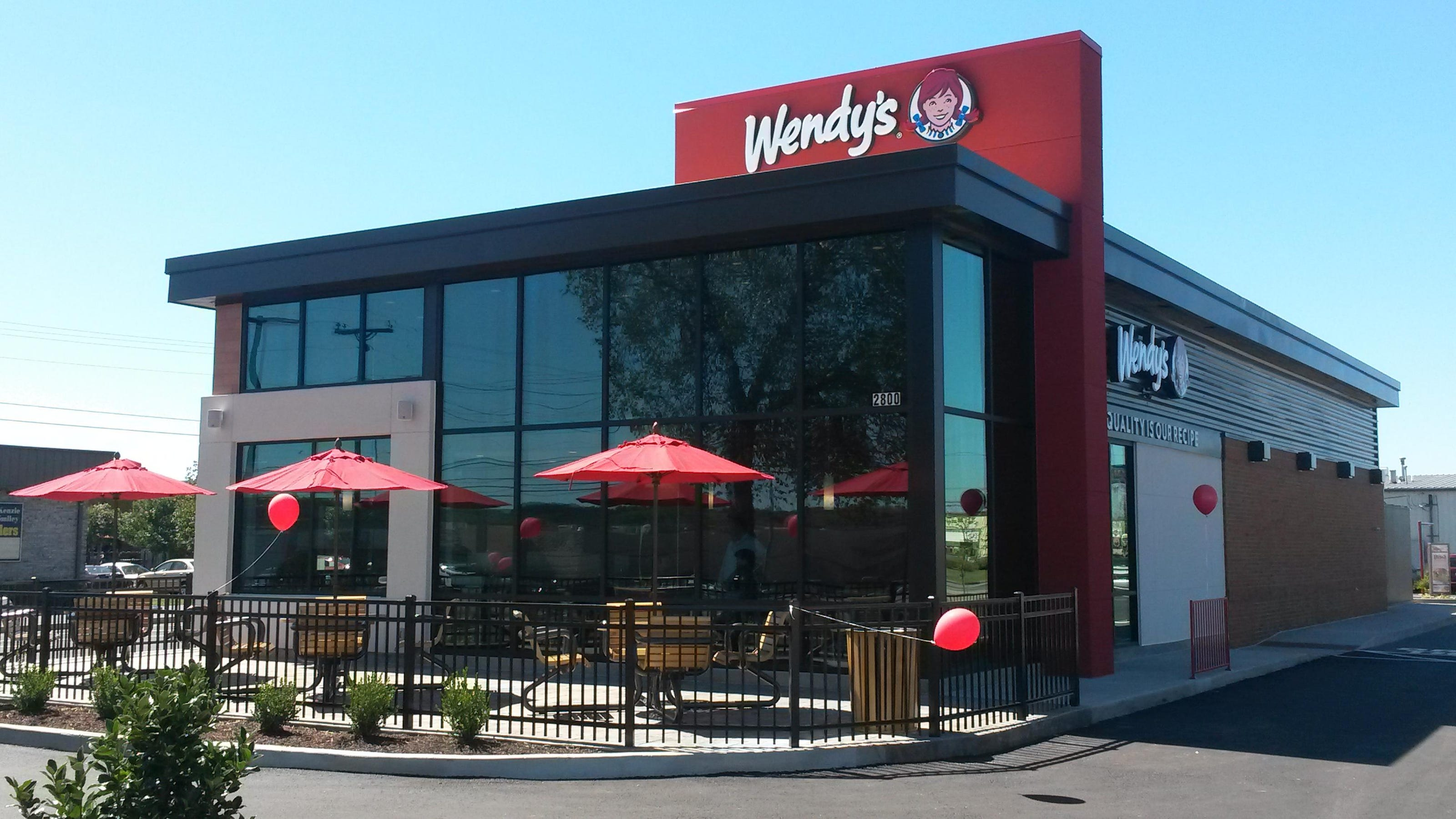 Wendys Restaurant Features Inviting Ultra Modern Design