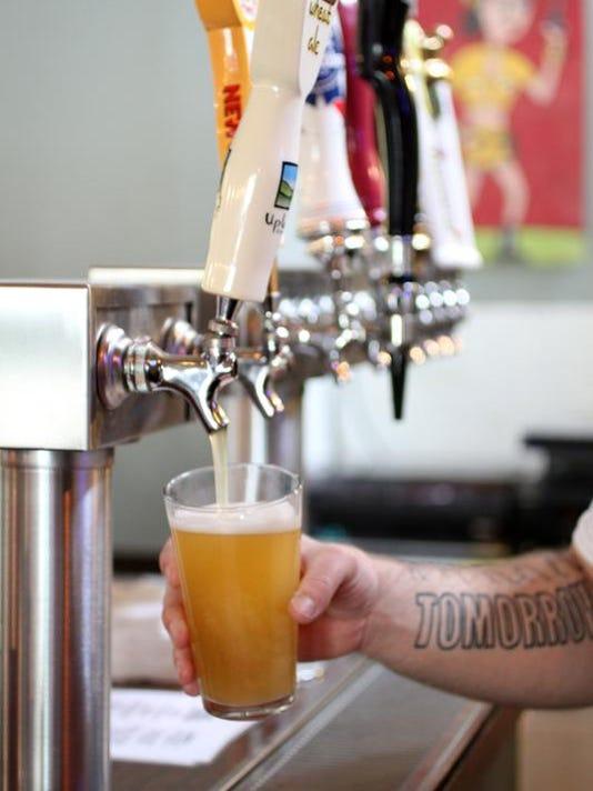 -0421 SP NEW Liquor Business612.JPG_20100421.jpg