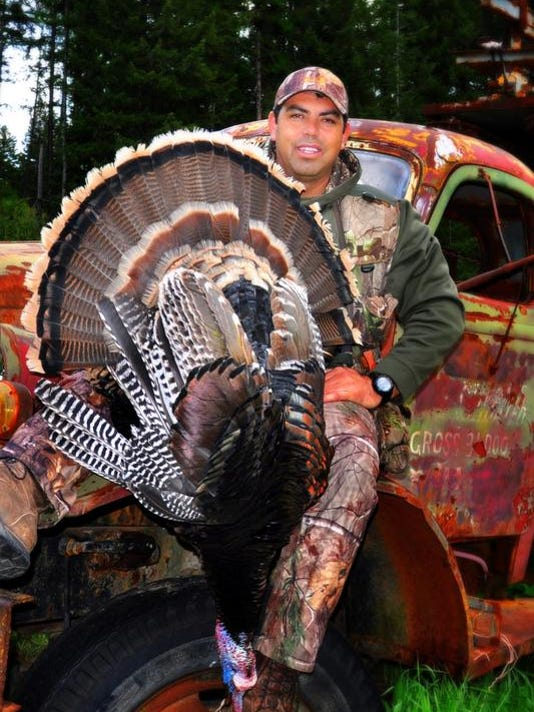 SAL0417-turkey hunting