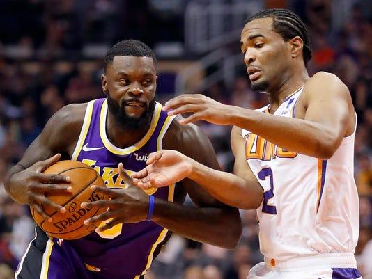 Lakers_Suns_Basketball_34385.jpg