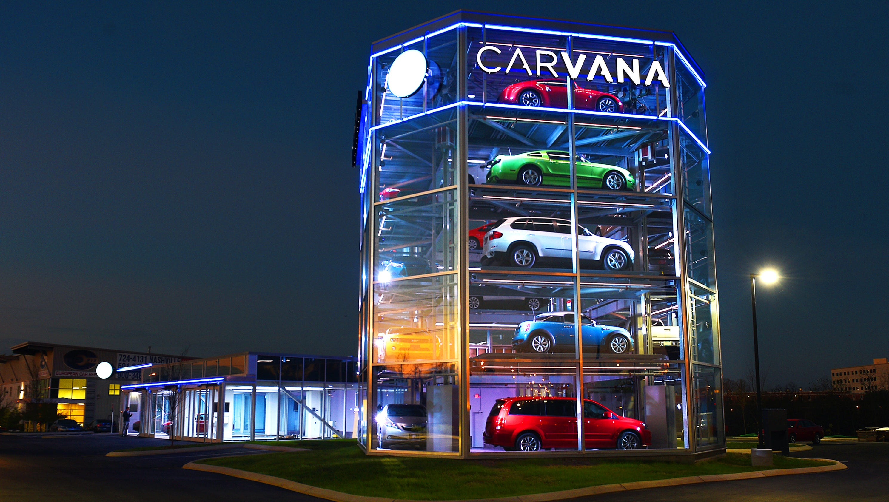 Nashville Used Cars >> Carvana vending machine spins used car industry on new path