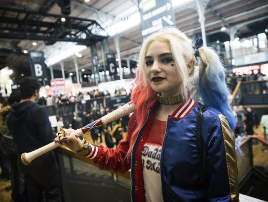 A woman dressed up as comic book character Harley Quinn