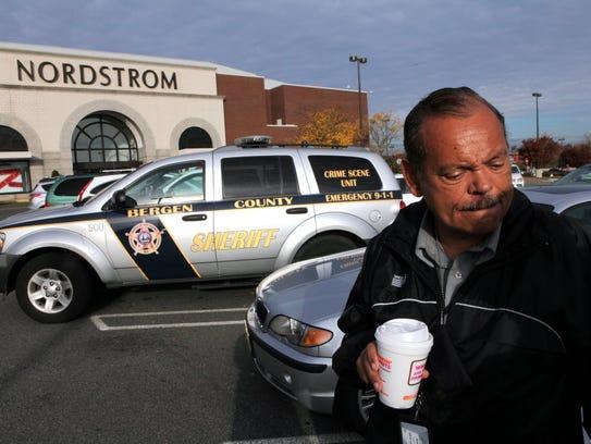 Archive Gunman Strikes Panic In Garden State Plaza