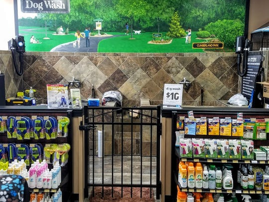 Different sized tubs for dog washing at Pet Valu.