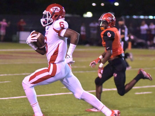 Robert E. Lee's Henry Ruggs scores a touchdown in the second quarter against Central-Phenix City's Karon Delince.