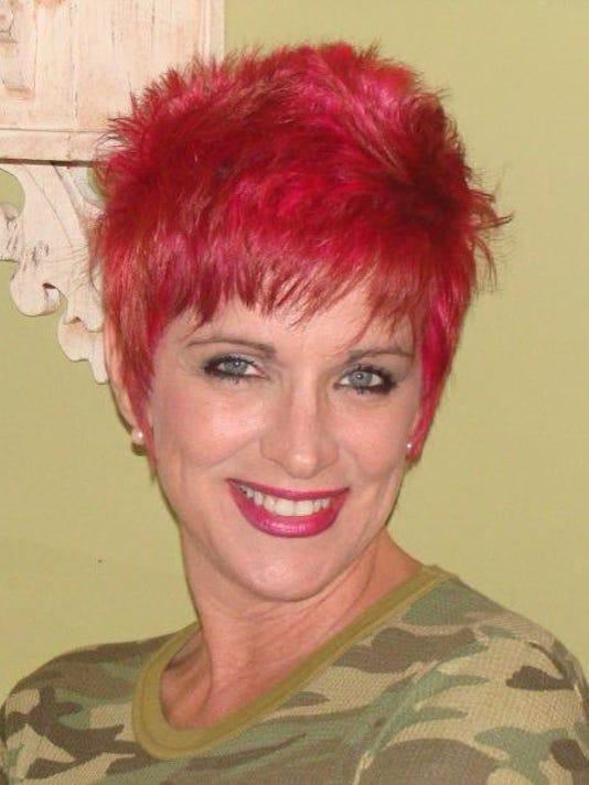 635806100024571028-pink-hair-MB