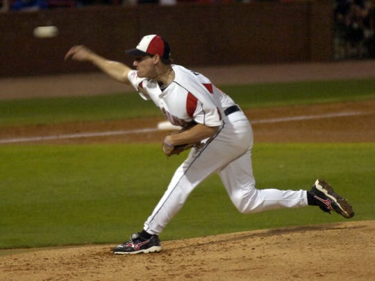 UL's Danny Farquhar (27) pitches during the game against