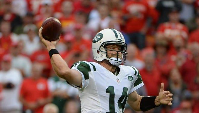 Jets quarterback Ryan Fitzpatrick throws a pass against the Kansas City Chiefs in the second half of Sunday's game at Arrowhead Stadium. Kansas City won 24-3.