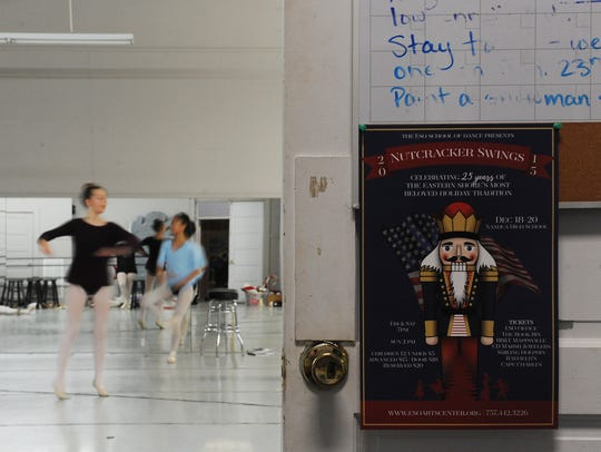 Dancers warm up before a rehearsal of the ESO Schol