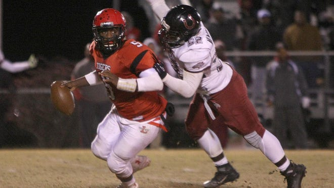 Lexington's Tylan Johnson threw for 1,200 yards as a junior.