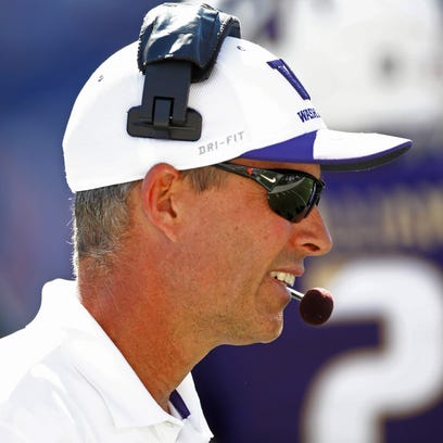 Washington Huskies head coach Chris Petersen. Mandatory