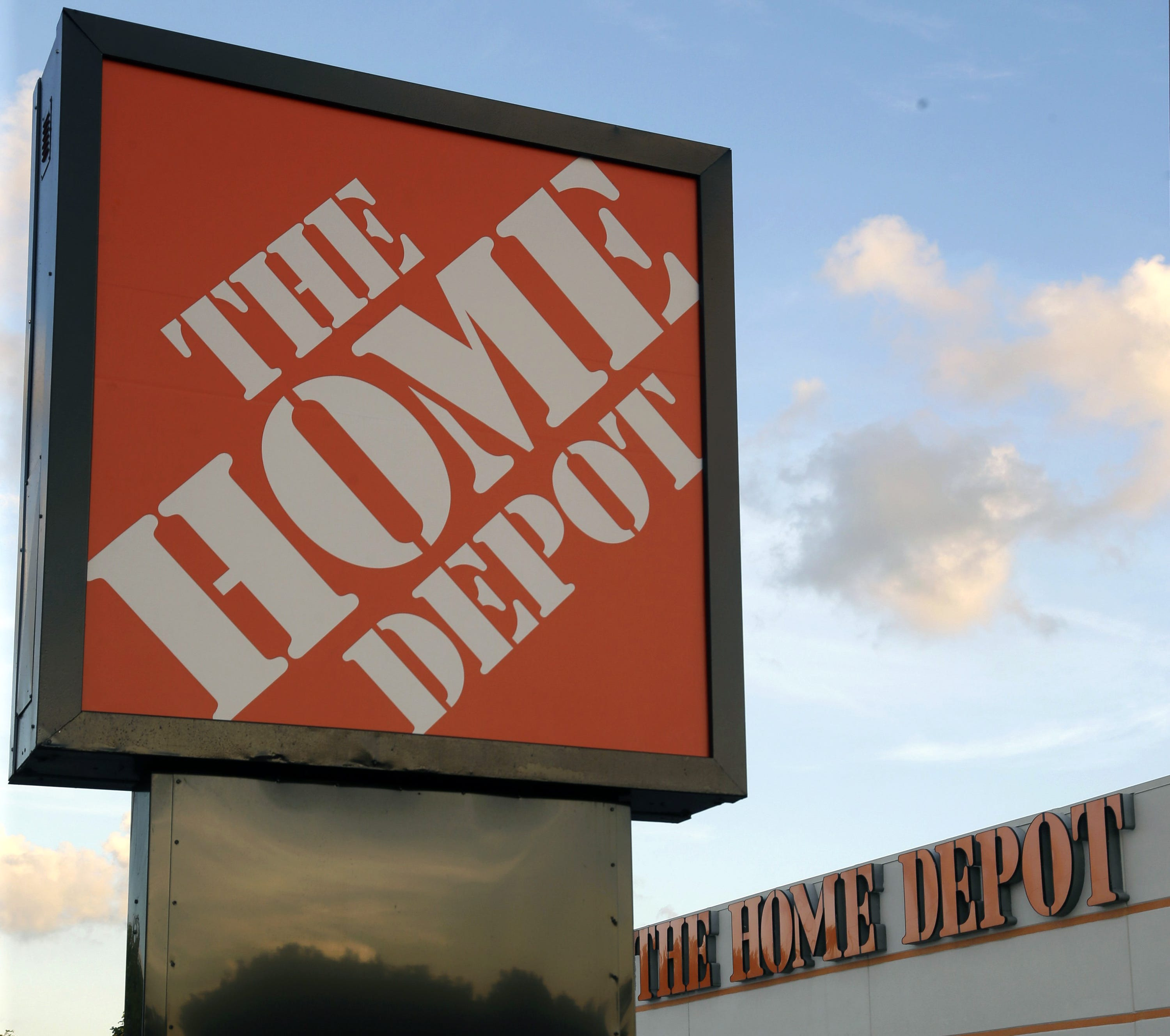 & Manu0027s scam turned Home Depot thefts into gift cards