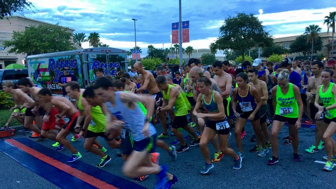 The starting line of the 2017 Tailgate 2 Miler in Viera.