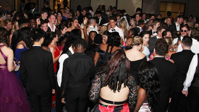 Effingham County proms attract from 600 to 800 students. Students at the 2019 SEHS prom were not concerned about social distancing.