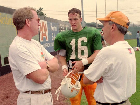 Archie Manning goes over some finer points with his