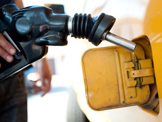 AP AP EXPLAINS CAR POLLUTION RULES CALIFORNIA A FILE USA CA