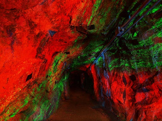Sterling Hill Mining Museum's fluorescent mineral mines.