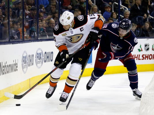 Ducks_Blue_Jackets_Hockey_21315.jpg