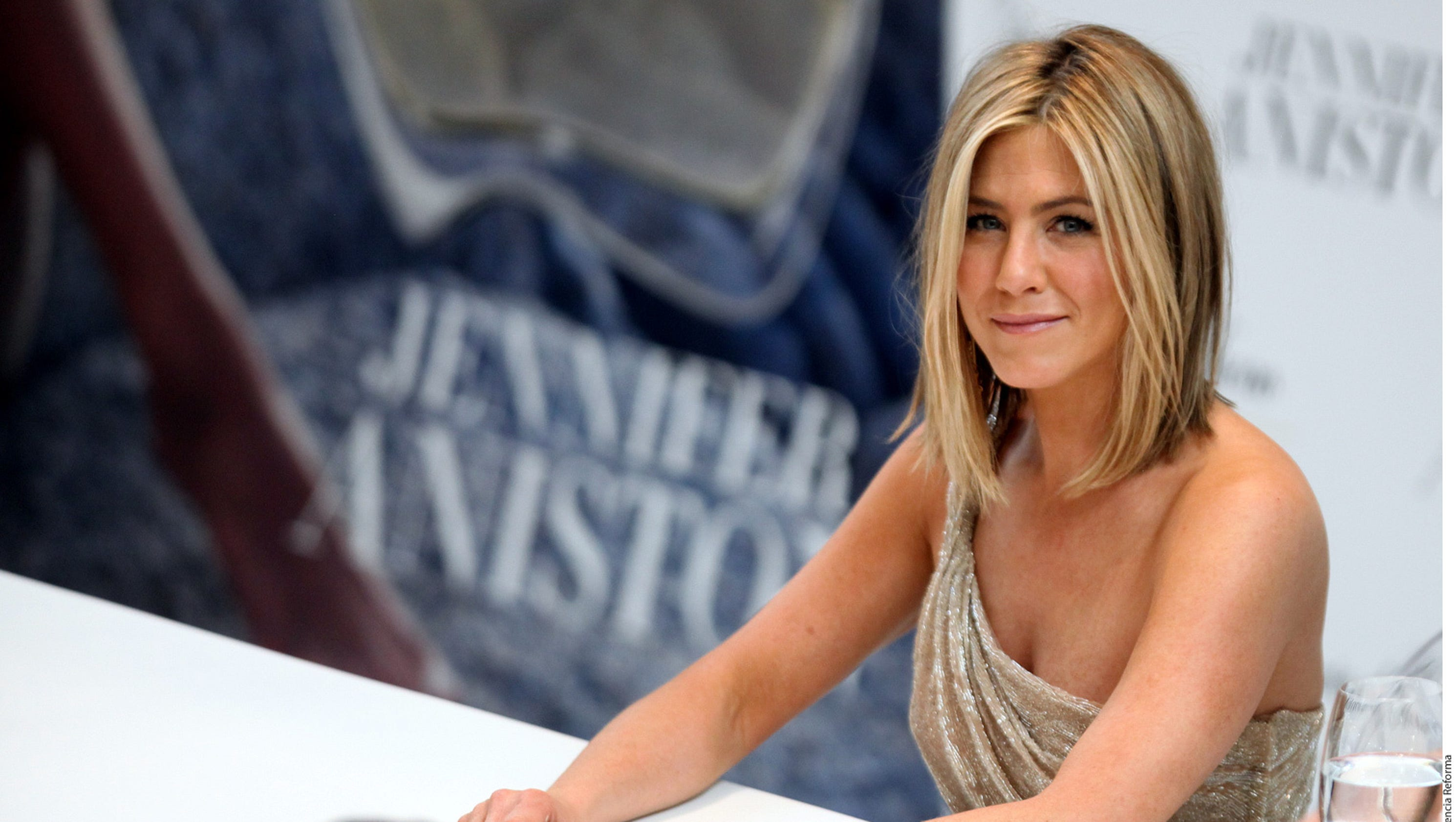 5 essential films jennifer aniston. Black Bedroom Furniture Sets. Home Design Ideas