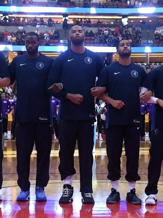 USP NBA: PRESEASON-MINNESOTA TIMBERWOLVES AT LOS A S BKN LAL MIN USA CA