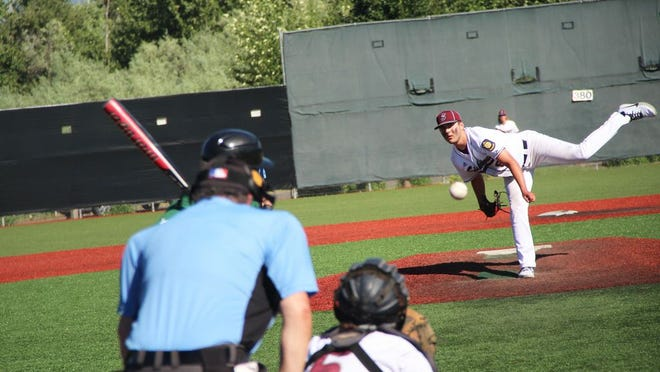 Ian Allen throws a pitch for Siskiyous during Friday's game versus Eugene in Medford, Ore.  Photo by Bill Choy