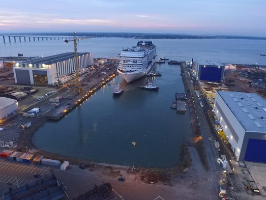 Evénéments - Page 3 636180978314078041-2.-MSC-Meraviglia-floating-out-for-the-first-time-and-transferring-to-the-wet-dock-at-STX-France-in-Saint-Nazaire-front-view-