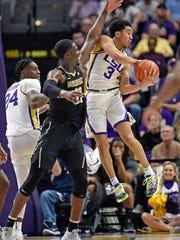 Vanderbilt_LSU_Basketball_93700.jpg