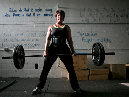 YOU 0829 WomenWeightLifters 04.JPG