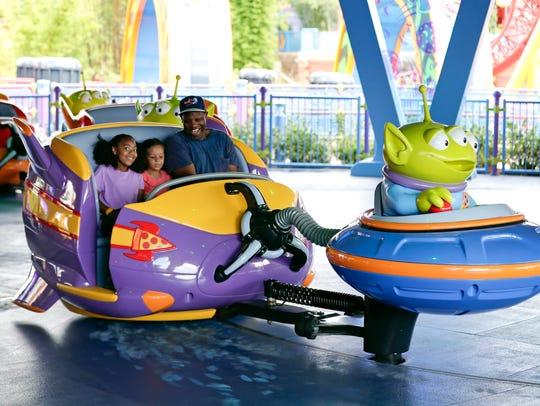 """Disney inaugura parque temático de """"Toy Story"""" en Florida."""