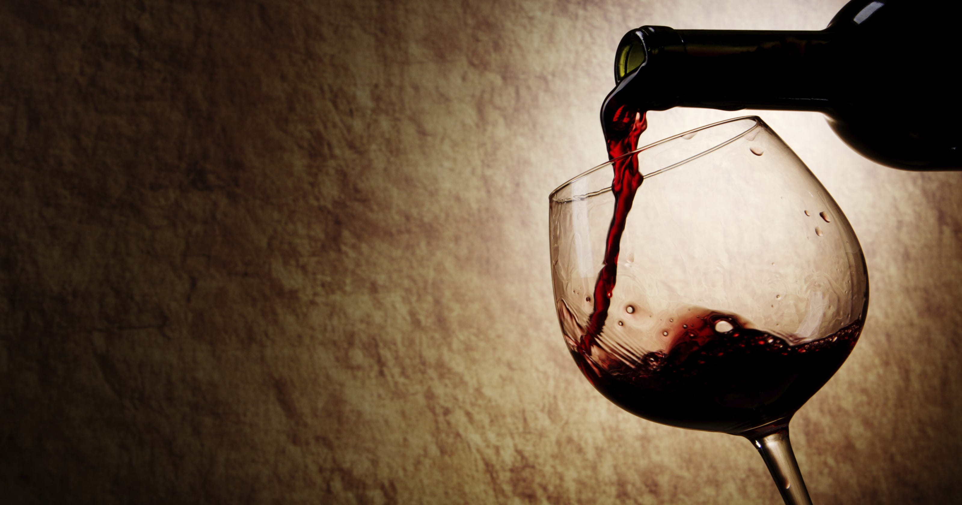 7 scents that signal something's wrong with your wine