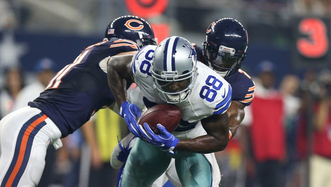 The hairline fracture Dez Bryant suffered in Week 3 will not require surgery. These types of injuries usually require 1-3 weeks of recovery.