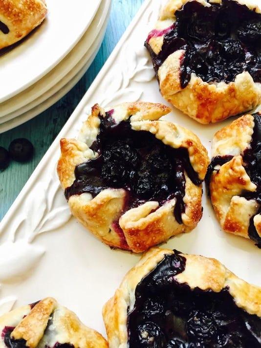 easy-mini-blueberry-hand-pies-14-1