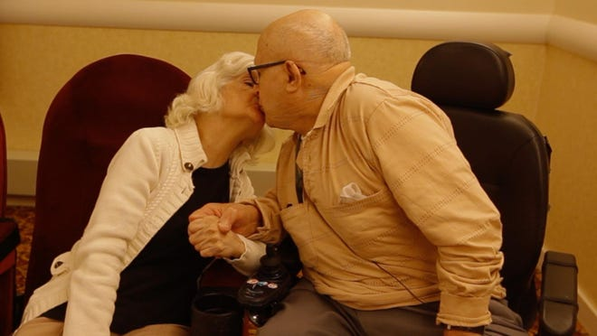 Pat and Carmela Testa share a kiss on their 76th wedding anniversary.