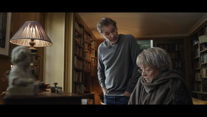 """Kevin Kline and Maggie Smith duel over a Paris apartment in """"My Old Lady."""""""