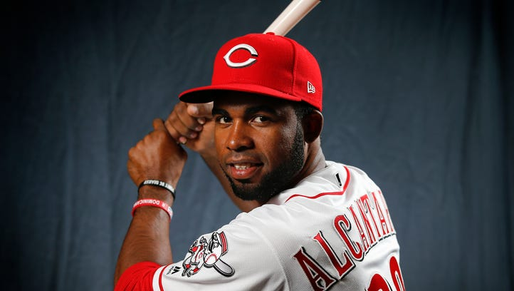 Big-league experience could be bench priority for Reds
