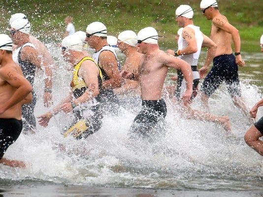 -Triathlon.jpg_20060805.jpg
