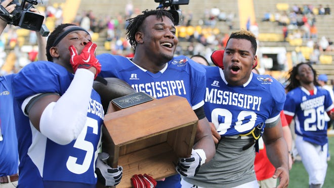 Kobe Jones (left) remains one of the top uncommitted defensive linemen in Mississippi.