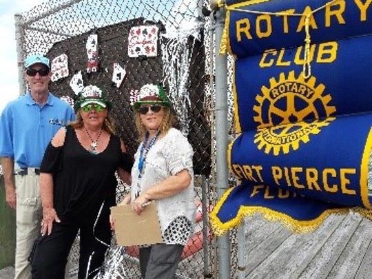Fort Pierce Yacht Club hosted 25 boats and 115 poker players April 22 to raise money tofund a summer intern scholarship at FAU Harbor Branch Oceanographic Institute. The Rotary Club of Fort Pierce sponsored the Smithsonian Dock.