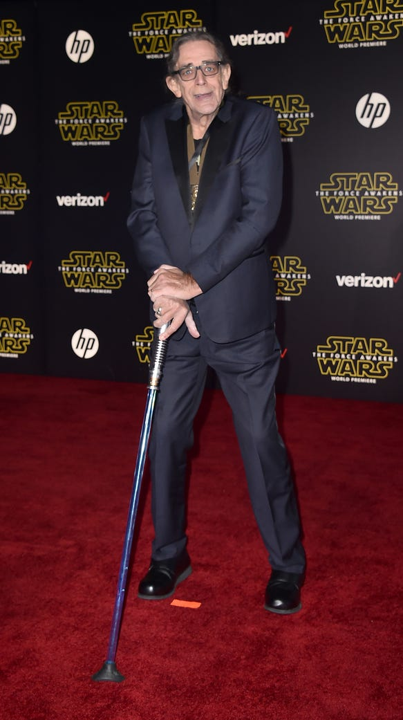 Peter mayhew aka chewie wears new hope medal at star
