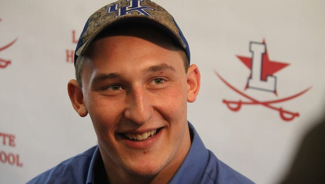 Five-star offensive tackle Landon Young officially signed with Kentucky Wednesday.