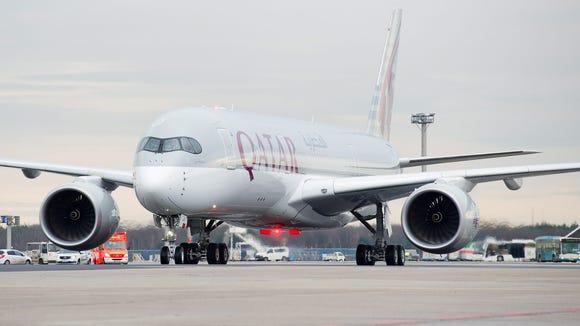 Qatar Airways' first Airbus A350 XWB rolls to the gate